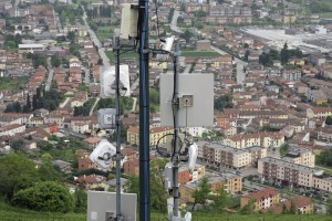antenna and mobile repeaters to the country